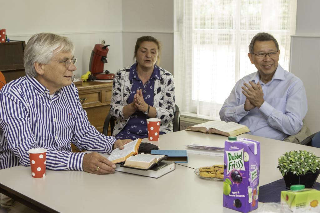 Henk Visscher (OR 140) Bijbelgroep zingen